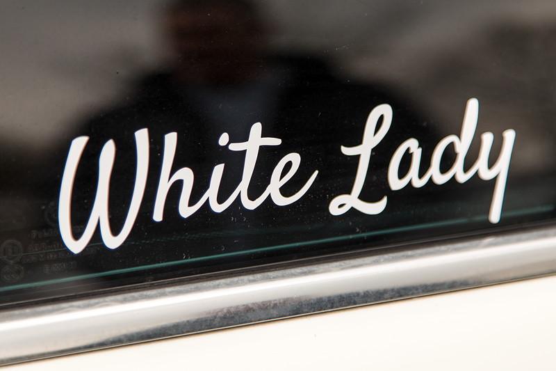 BMW 750i (E65 LCI), Japan-Import, Rechtslenker, von Olaf ('loewe40'), liebevoll als 'White Lady' getauft