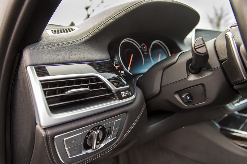 BMW 730d (G11), Firmenwagen von Ralf ('Ralle735iV8'), Lichtschalterleiste (vorne im Bild)