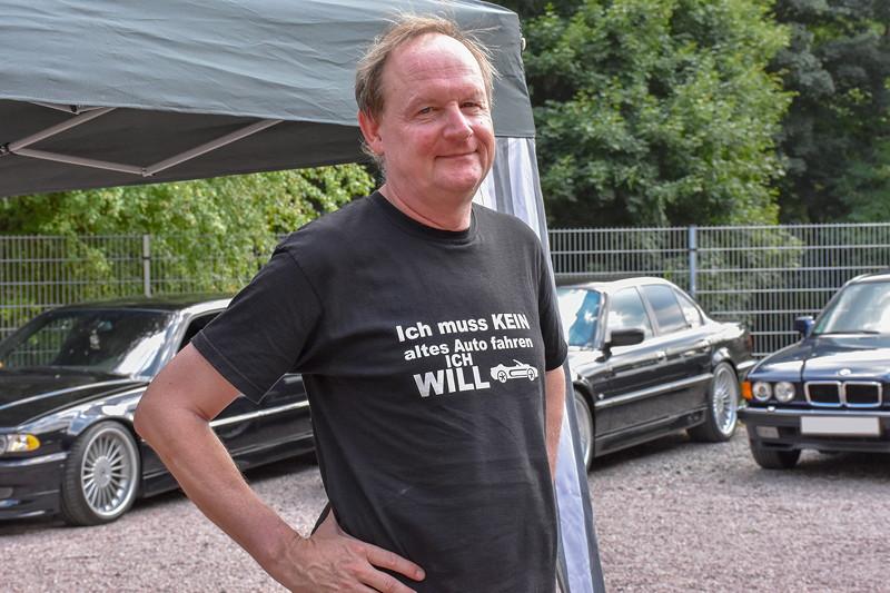 Grill-Stammtisch im Juli 2018: Jörg ('Ewi') kam mit seinem BMW 750i (E32), Bj. 1992 zum Grillstammtisch