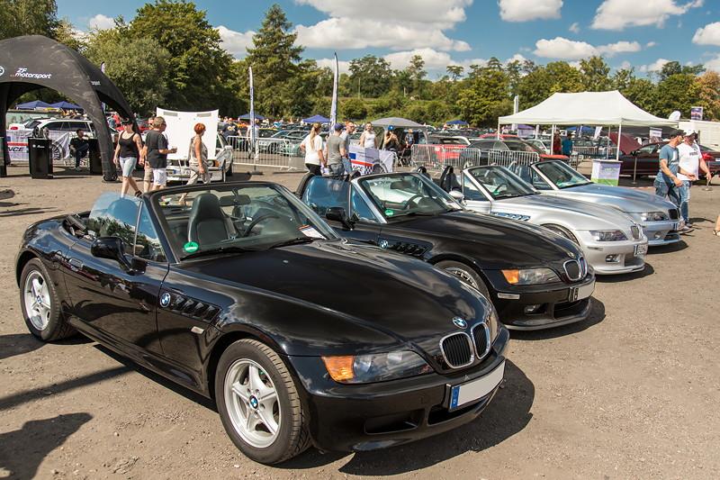 BMW Scene Show 2018: BMW Z3 roadster (E36/7) Reihe gegenüber der Performance Area.