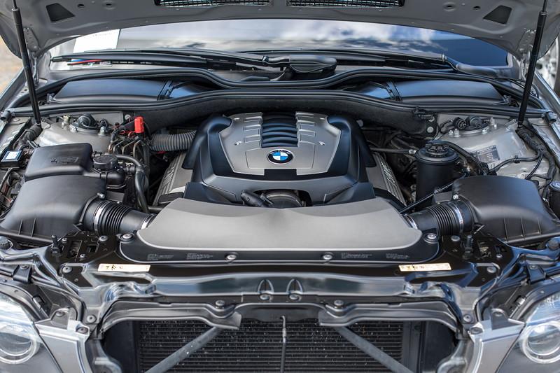 V8 Motor im BMW 750i (E65) von Rolf ('rolfg')