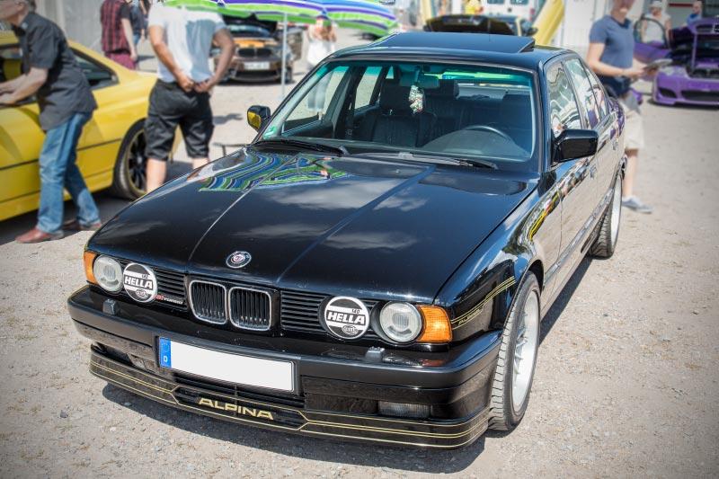 BMW Scene Show 2018: BMW Alpina B10 (E34) von Loki. Das Auto gewann einen von 20 Pokalen 'Best of Show'
