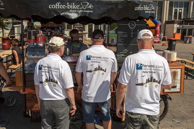 Drei Südhessen-Stammtischler am Coffe-Bike, BMW Scene Show 2018 in Recklinghausen.