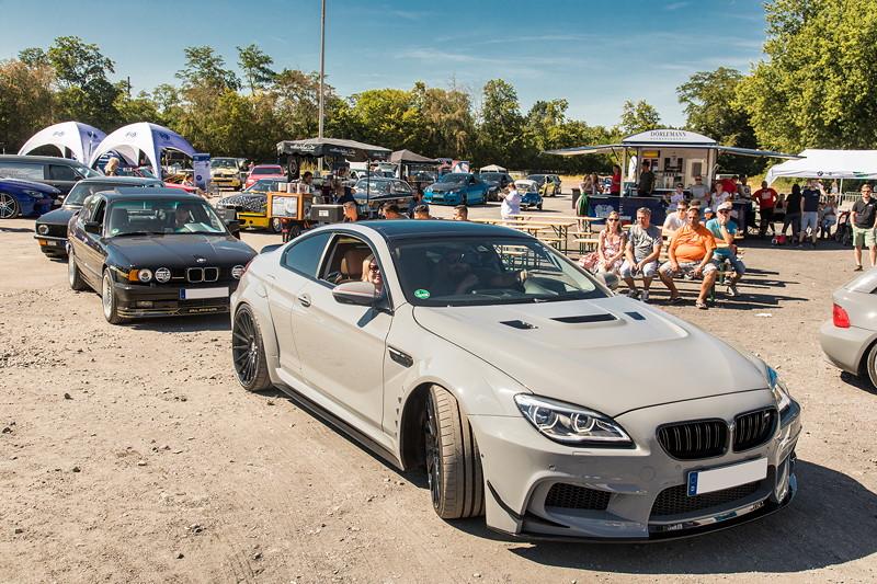 BMW Scene Show 2018: vor der Performance Area warteten die Pokal-Aspiranten.