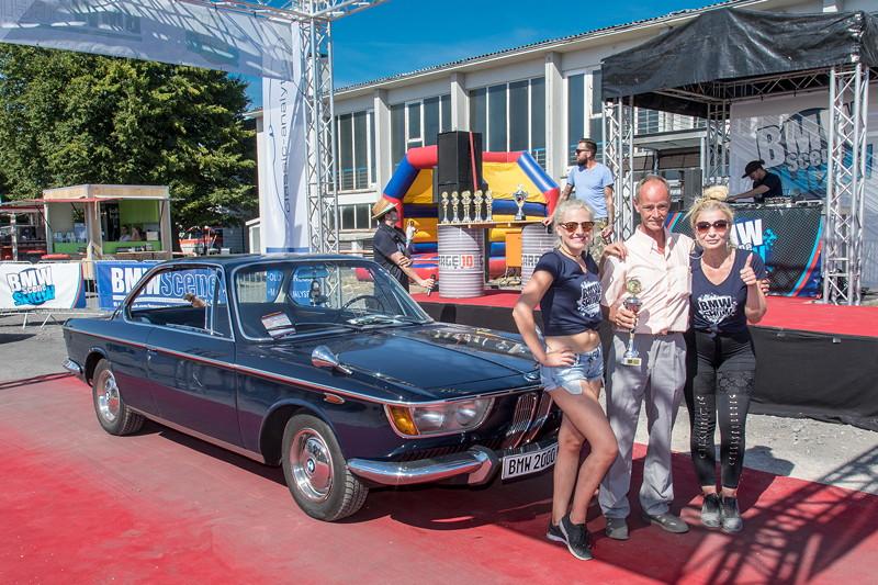 BMW Scene Show 2018: Frank Thorissen gewann den Pokal 'Best of VIP' für seinen BMW 2000 CS