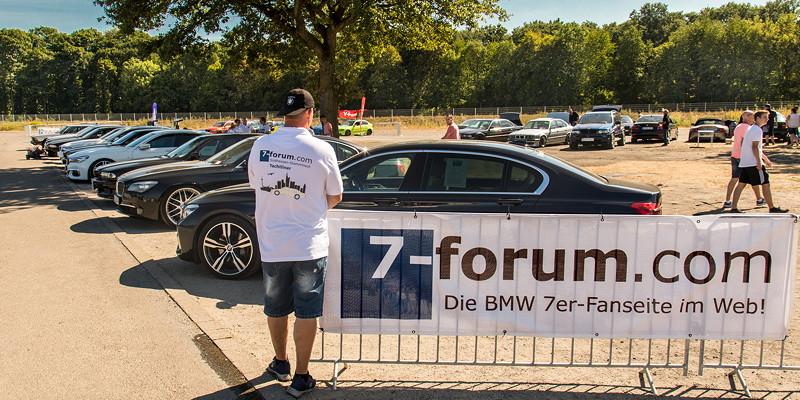 Jürgen ('Yachtliner') in seinem Südhessen Stammtisch Polo am 7-forum.com Banner, BMW Scene Show 2018.