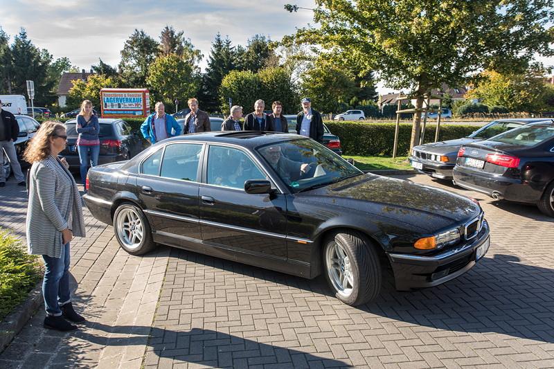 Rhein-Ruhr-Stammtisch im Oktober 2018: Jörg ('Don 730i') in seinem BMW 728i (E38)
