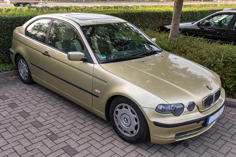 Rhein-Ruhr-Stammtisch im Oktober 2018: Frank ('heliman4') kam mit einem neuen Alltagsfahrzeug, einem BMW 318Ti compact in pistaziengrün.
