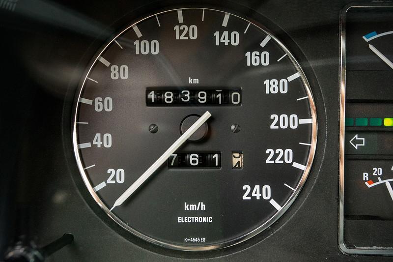 Rhein-Ruhr-Stammtisch im Februar 2019, BMW 732iA (E23) von Viktor ('Zuwack'), Tachometer