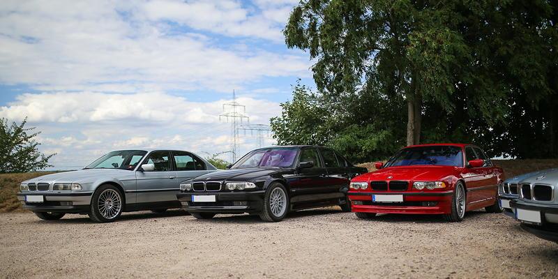 BMW 7er Stammtisch Halle-Leipzig im Juli 2020: BMW 728i von Joe ('phaenomenon'), BMW 740i von Waldemar ('Waldi-740i') und BMW 750i von Frank ('750imolarot')