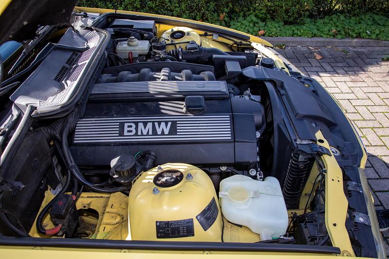 Rhein-Ruhr-Stammtisch im Oktober 2020: BMW 320i Cabrio Individual (E36) mit 2,0 Liter R6-Zylinder-Motor von Micha ('bmwe23'').