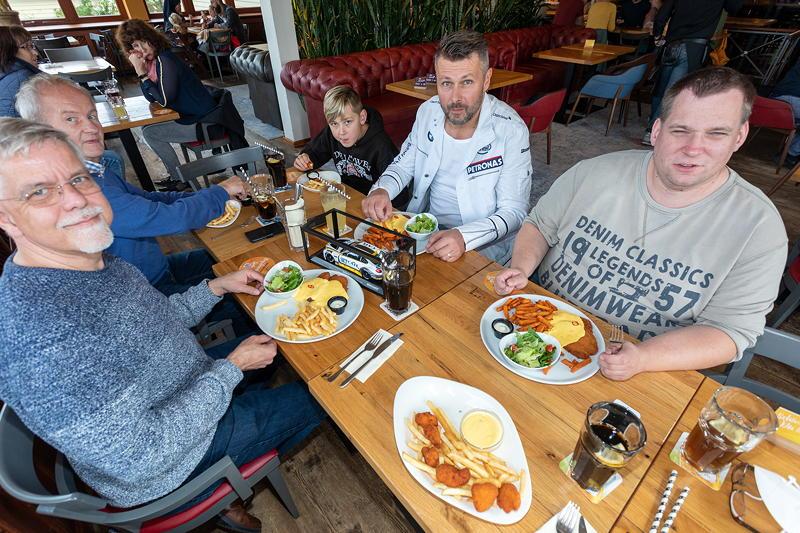 Stammtisch-Teilnehmer im Stammtisch-Restaurant Café del Sol in Castrop-Rauxel.