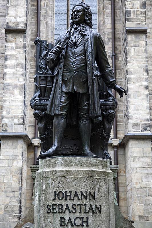 Foto Johann Sebastian Bach Denkmal Vor Der Thomas Kirche In Leipzig Vergr 246 223 Ert