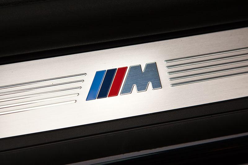Foto Bmw M Symbol In Der Einstiegsleiste Des Bmw 730ld Mit Bmw M