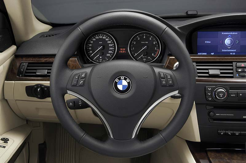foto cockpit bmw 3er coup modell e92 vergr ert. Black Bedroom Furniture Sets. Home Design Ideas