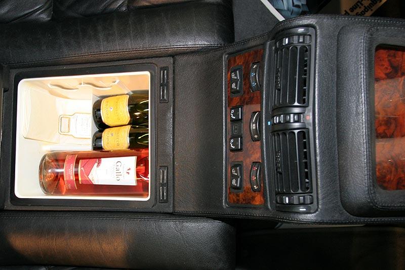Auto Kühlschrank Bmw : Foto highline fond ausstattung mit kühlschrank unter dem