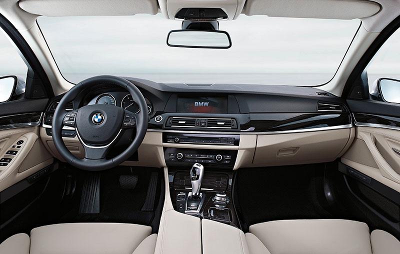 Foto Bmw 5er Limousine Modell F10 Interieur Cockpit Vergr 246 223 Ert