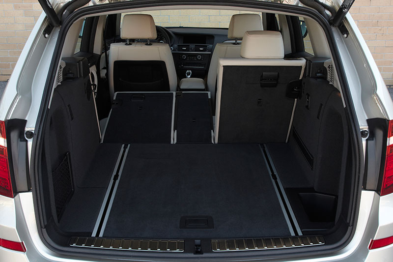 Foto: BMW X3 xDrive35i (F25), Kofferraum (vergrößert)