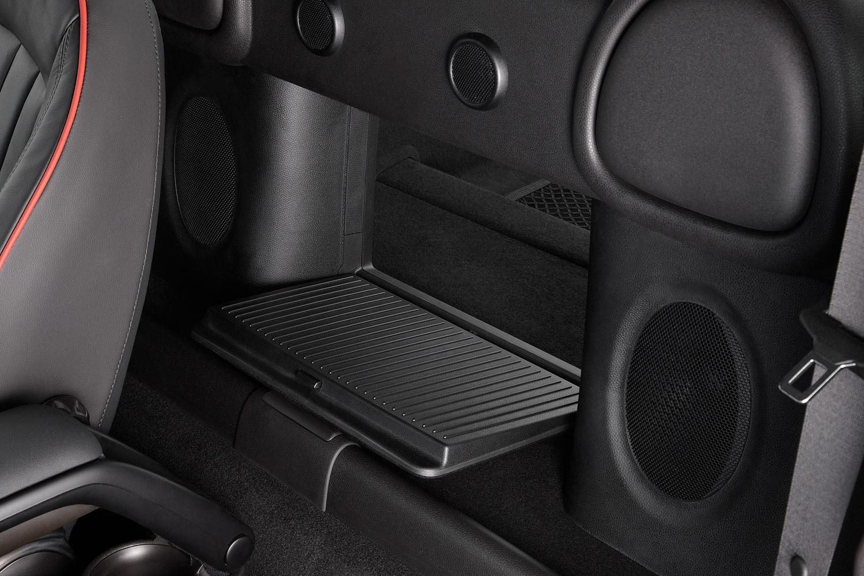 Foto: MINI Coupe, Zugang zum Kofferraum aus dem Innenraum (vergrößert)