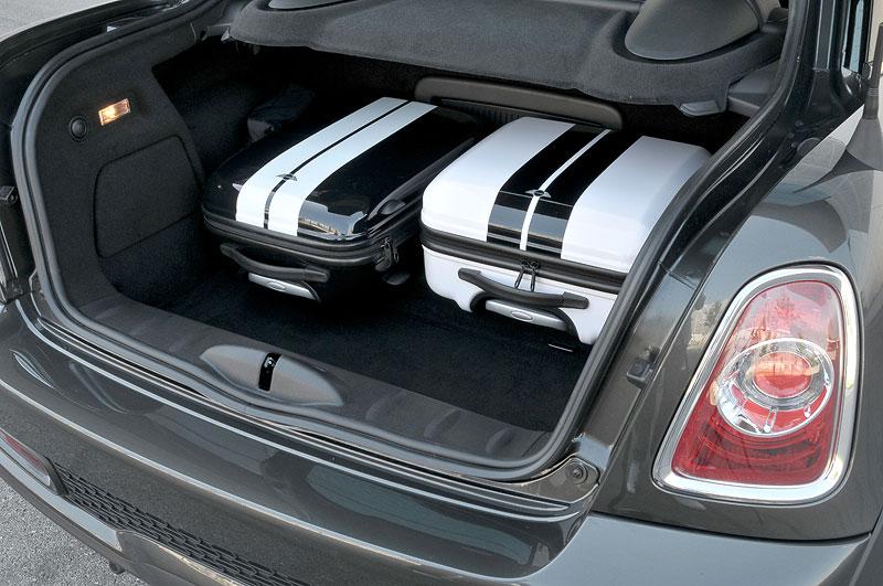 Foto Mini Cooper Sd Coupe Kofferraum Vergrößert