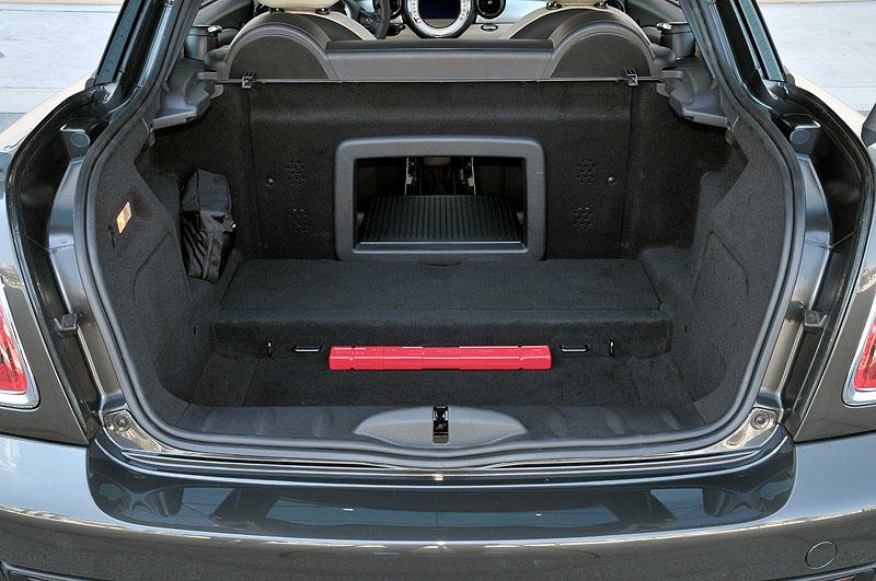 Foto Mini Cooper Sd Coupe Kofferraum Mit Durchlade Vergrößert