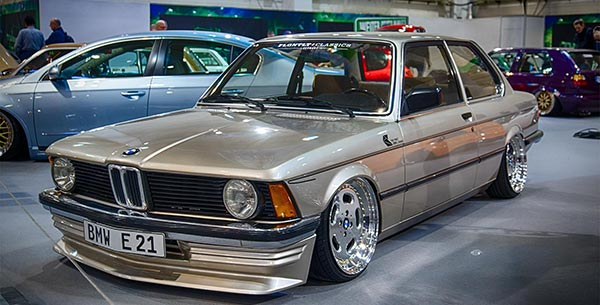 - Motorhaube Vorne NEU 2 x YOU-S Original Gasdämpfer BMW 5 E28