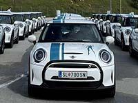 Der MINI Electric auch als Dienstwagen: Biogena übernimmt die größte MINI Cooper SE Flotte.