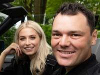 Flotte 30er: Geburtstagskind M3 Cabrio ist standesgemäßes Setting für Lena Gercke und Martin Kaymer.