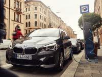 Vielseitig und effizient wie nie zuvor: Markteinführung für den neuen BMW 225xe Active Tourer.