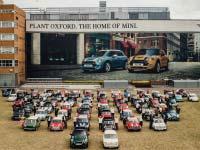 Und noch ein Jubiläum für MINI: In Oxford lief das zehnmillionste Fahrzeug der Marke vom Band.