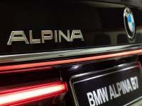 BMW Alpina B7 in Citrin schwarz im Showroom von Abu Dhabi