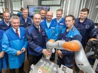 Innovationen aus erster Hand: Staatsminister Hubert Aiwanger im BMW Group Werk Landshut.