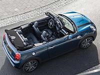 Offener Fahrspaß, extrovertierter Stil: Das neue MINI Cabrio Sidewalk.