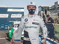Marco Wittmann fährt für BMW auf dem Nürburgring auf das Podium.